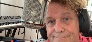 Leo Sayer's new EDEN mic