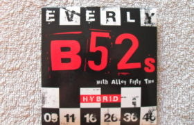 B52s electric guitar strings 9-46 Hybrid